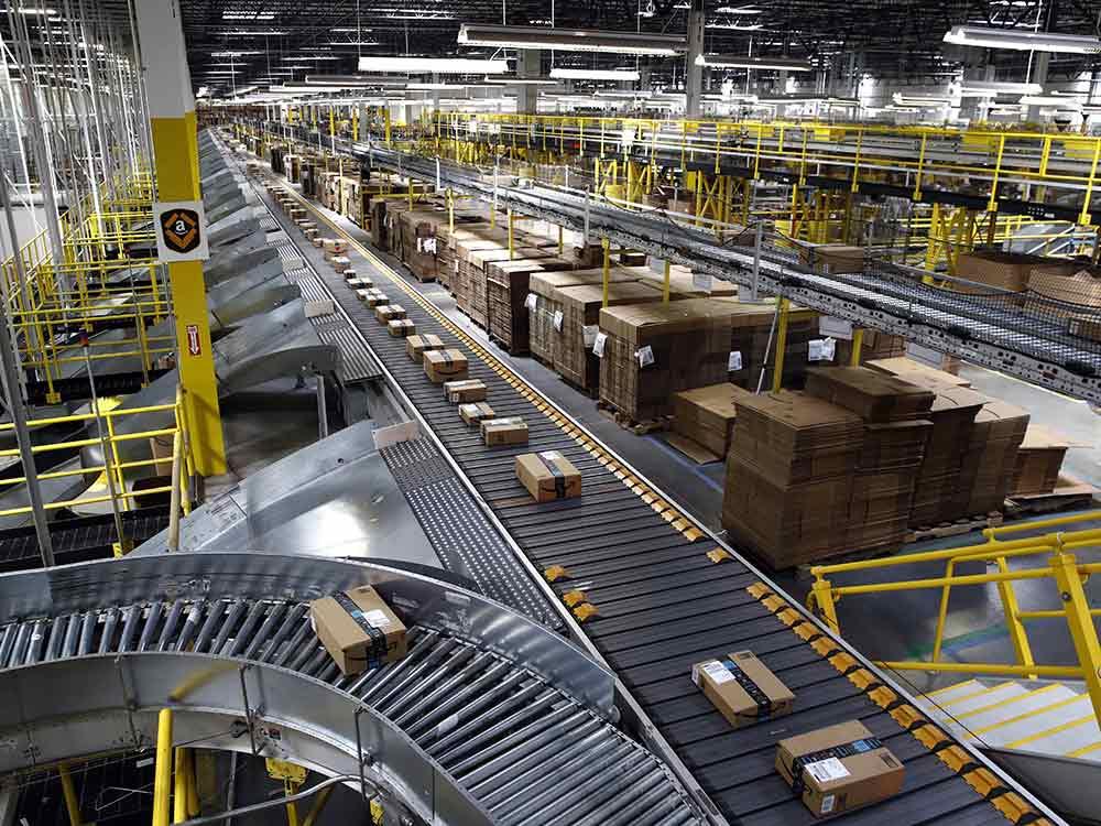 Cách vận chuyển hàng hóa của bạn đến kho FBA của Amazon với VNT Logistics